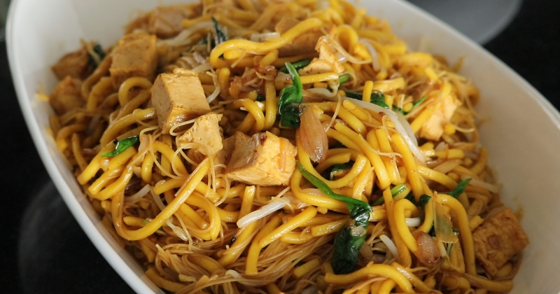 Economy noodle stir fry plain Malaysian Chinese noodles street food